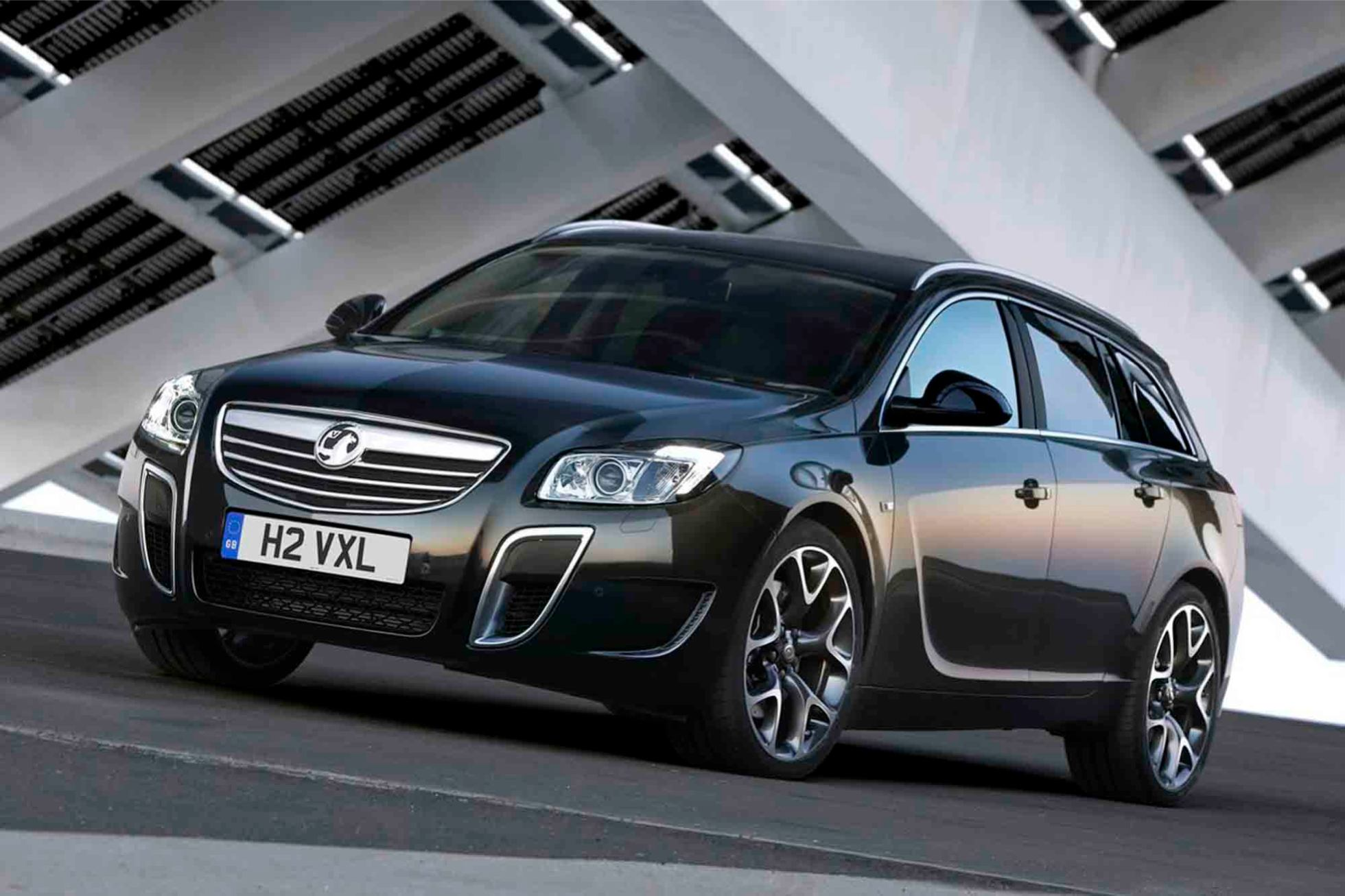 opel insignia opc sports tourer break photo. Black Bedroom Furniture Sets. Home Design Ideas