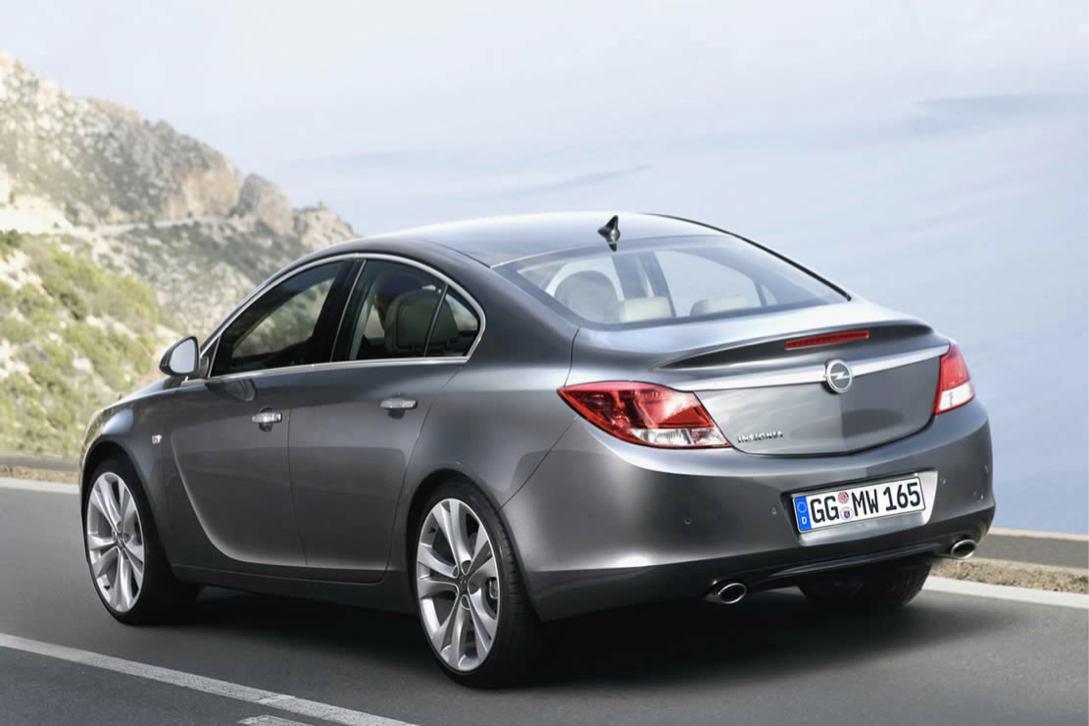 Opel Insignia photo