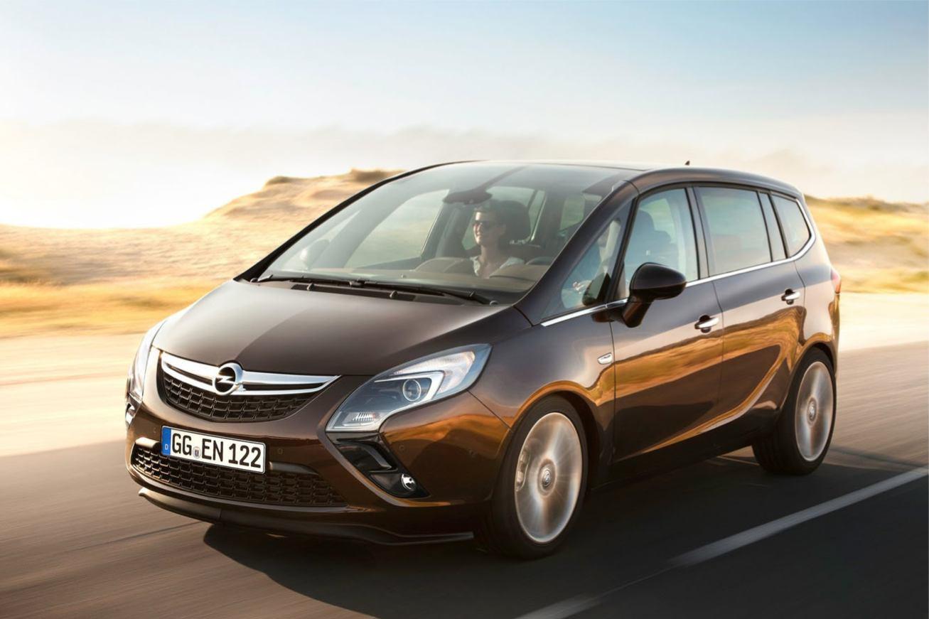 Opel Zafira-Tourer photo
