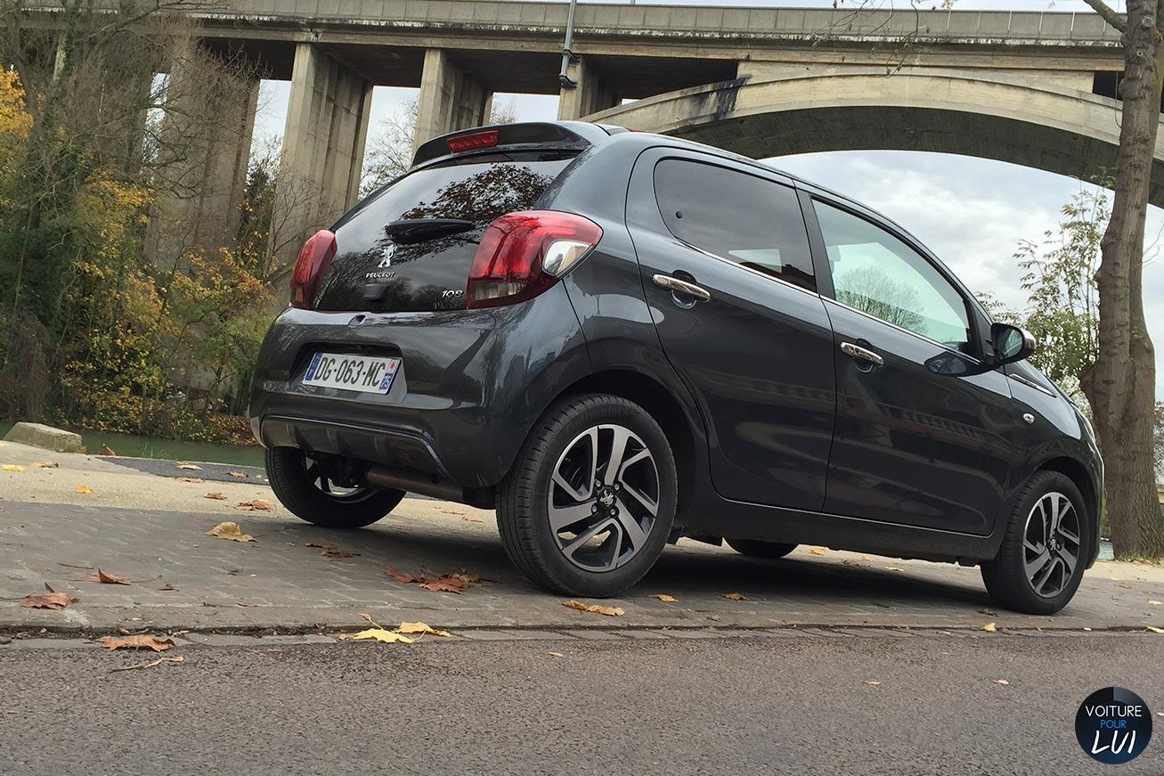 Peugeot  108 ALLURE TOP   Performance  http://www.voiturepourlui.com/images/Peugeot//Exterieur/Peugeot_108_Allure_Top_005_performance.jpg
