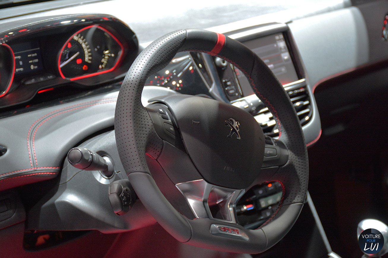 208 gti 30th mondial 2014 sportive for Interieur peugeot 208