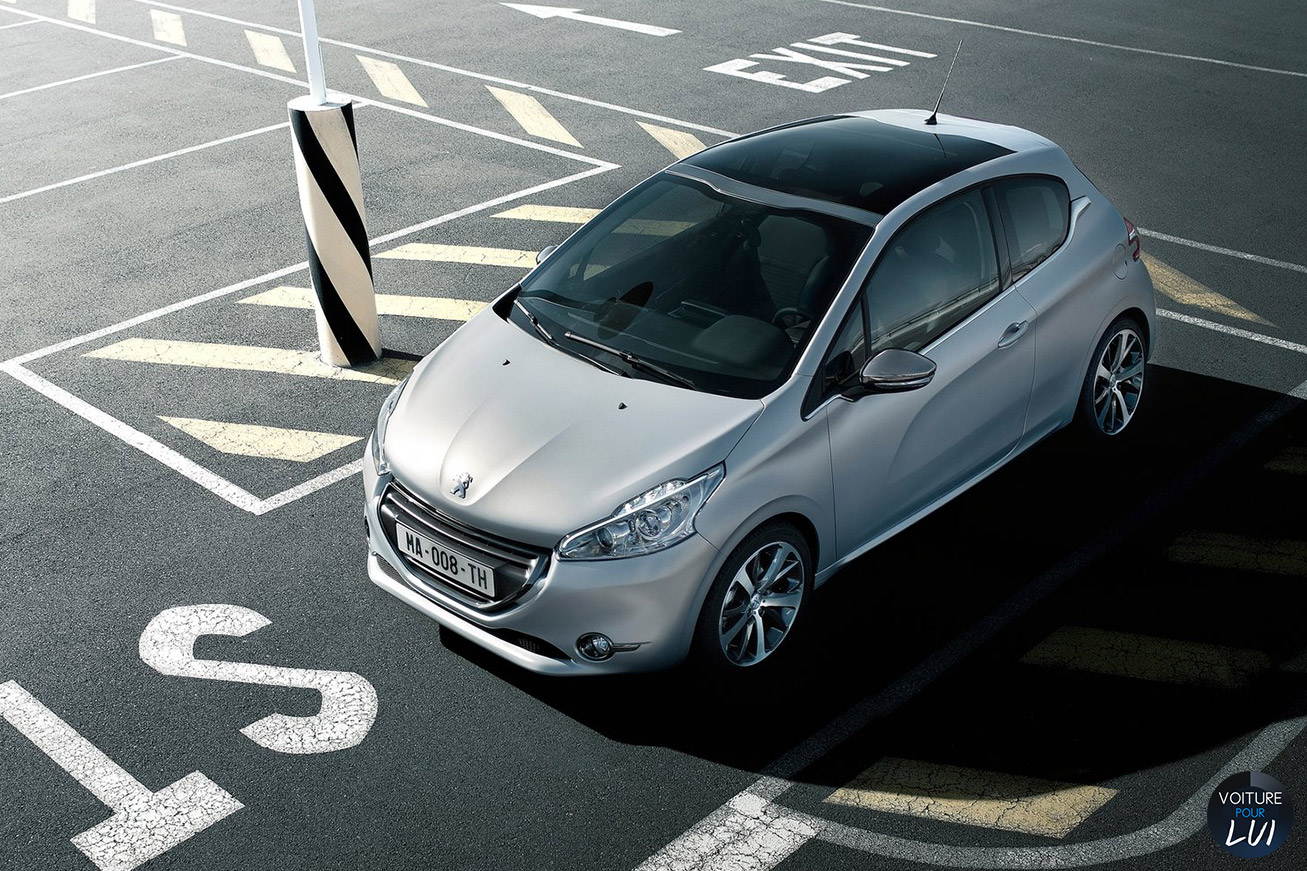 Peugeot 208 photo