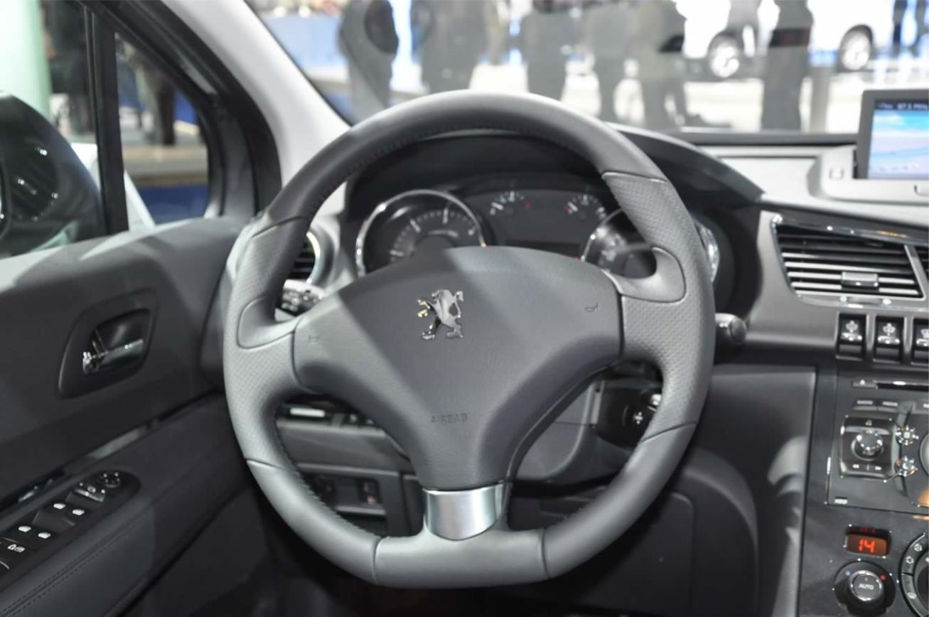 Peugeot 3008 2009 suv photo for Interieur 3008