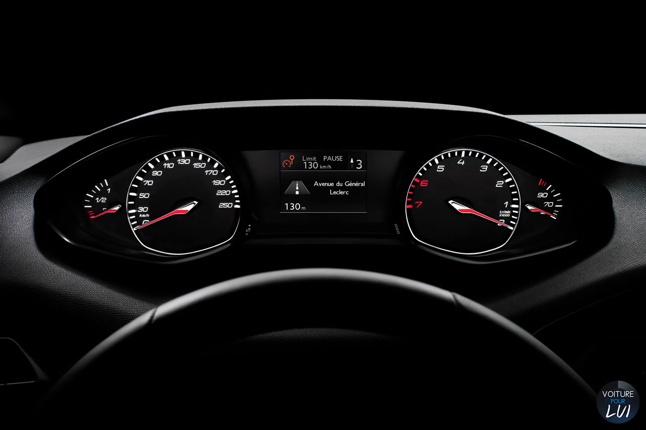 Photos peugeot 308 sw 2014 2014 numero 12 for Interieur 308