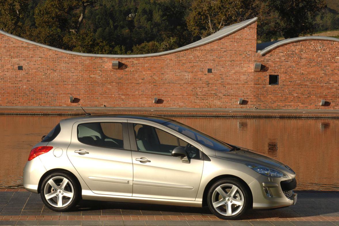 Peugeot 308 photo