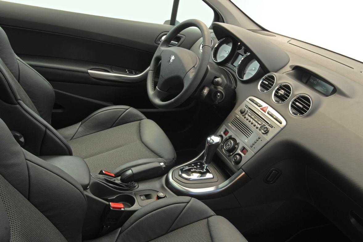 Peugeot  308    http://www.voiturepourlui.com/images/Peugeot//Interieur/Peugeot_308_504.jpg