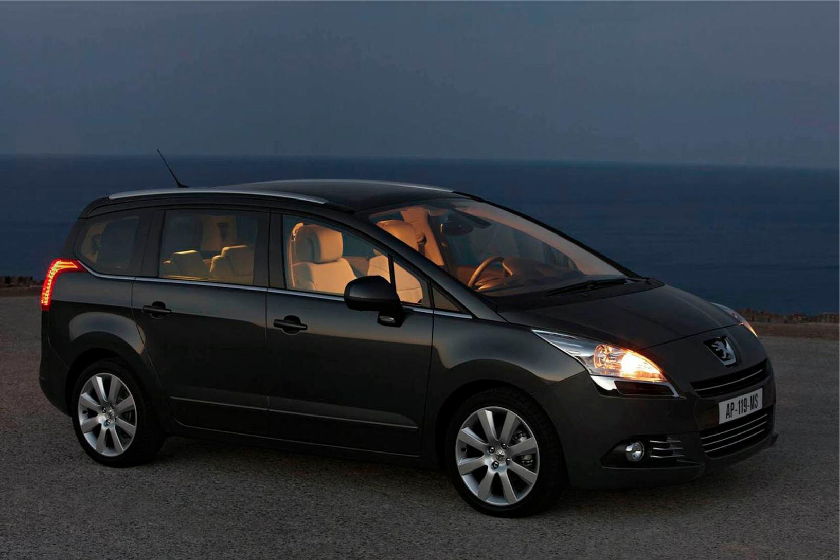 Peugeot  5008    http://www.voiturepourlui.com/images/Peugeot//Exterieur/Peugeot_5008_002.jpg