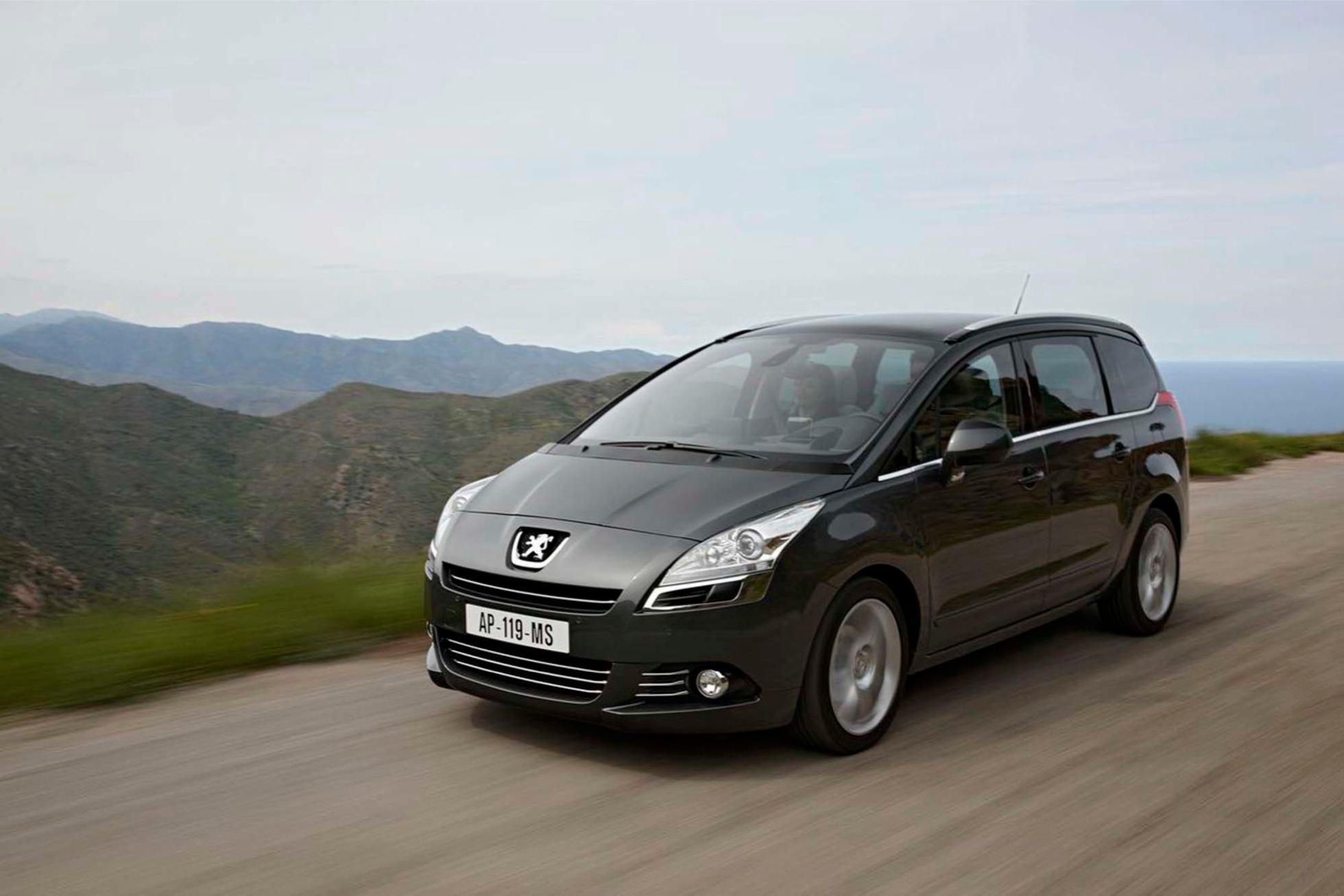 Peugeot  5008    http://www.voiturepourlui.com/images/Peugeot//Exterieur/Peugeot_5008_007.jpg