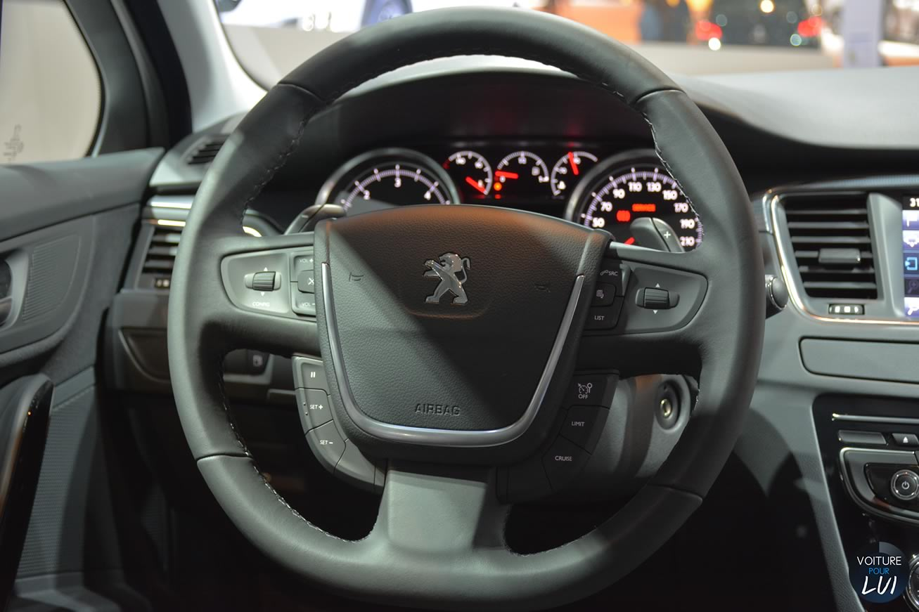 Peugeot 508 rxh mondial auto 2014 break photo for Interieur 508 rxh