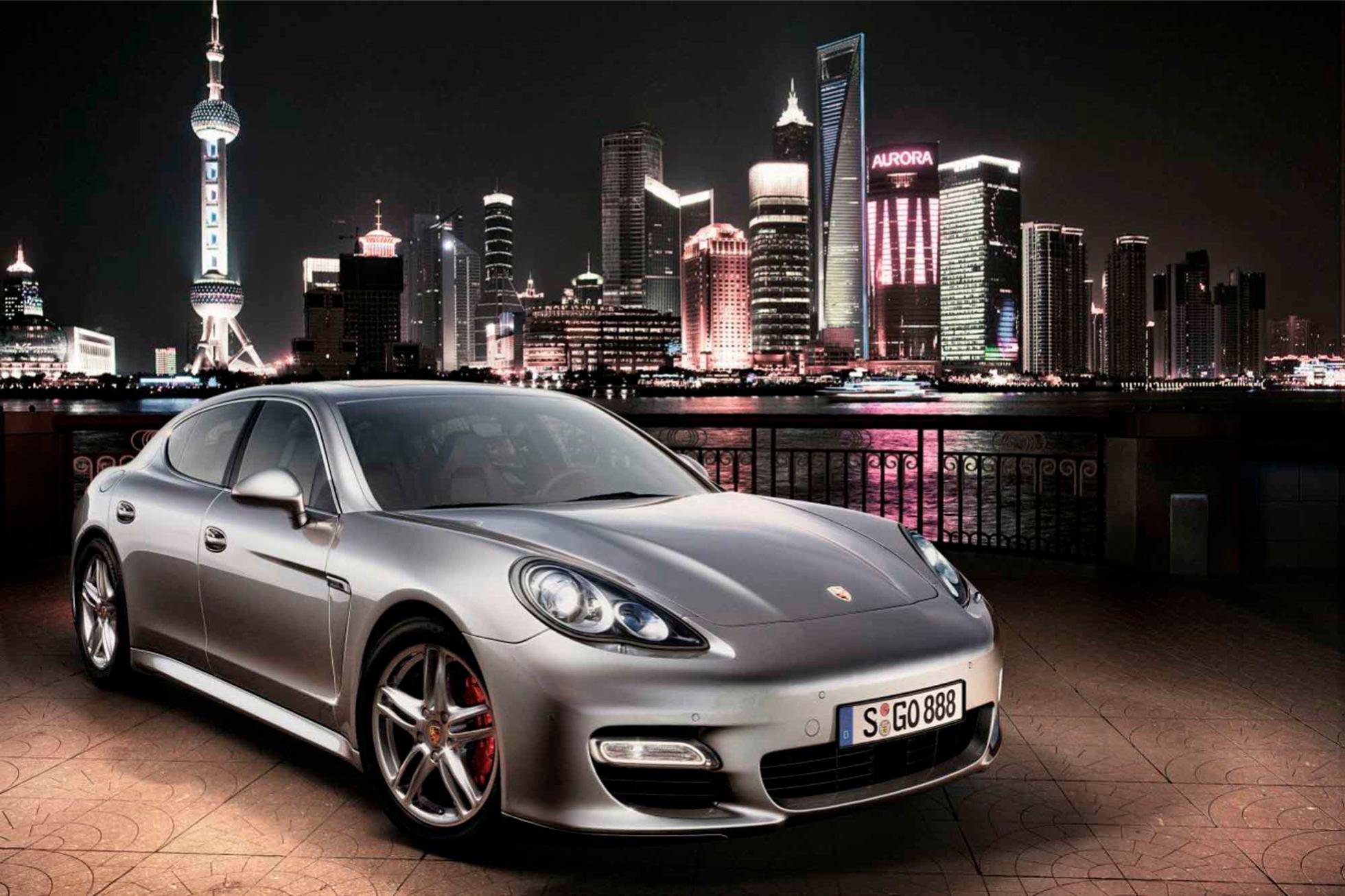 Porsche  PANAMERA    http://www.voiturepourlui.com/images/Porsche//Exterieur/Porsche_Panamera_009.jpg