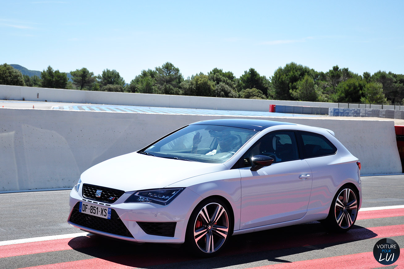 essai seat leon cupra 280 sur circuit route. Black Bedroom Furniture Sets. Home Design Ideas