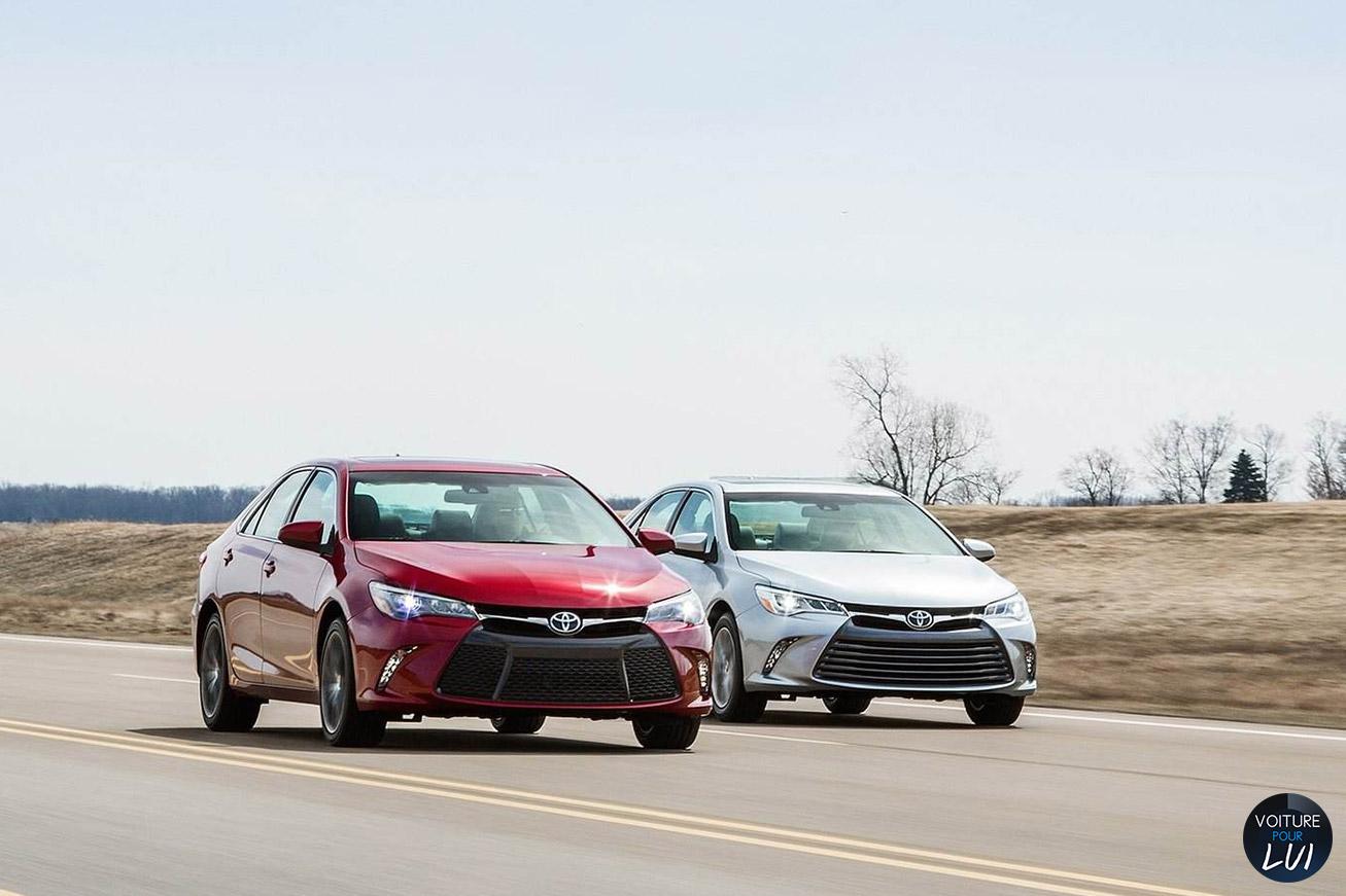 Toyota  CAMRY 2015    http://www.voiturepourlui.com/images/Toyota//Exterieur/Toyota_Camry_2015_018.jpg