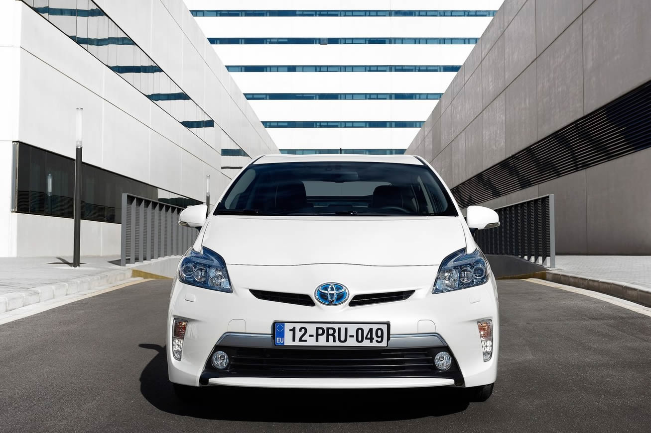 toutes les photos toyota prius hybride 2014 sur voiture. Black Bedroom Furniture Sets. Home Design Ideas