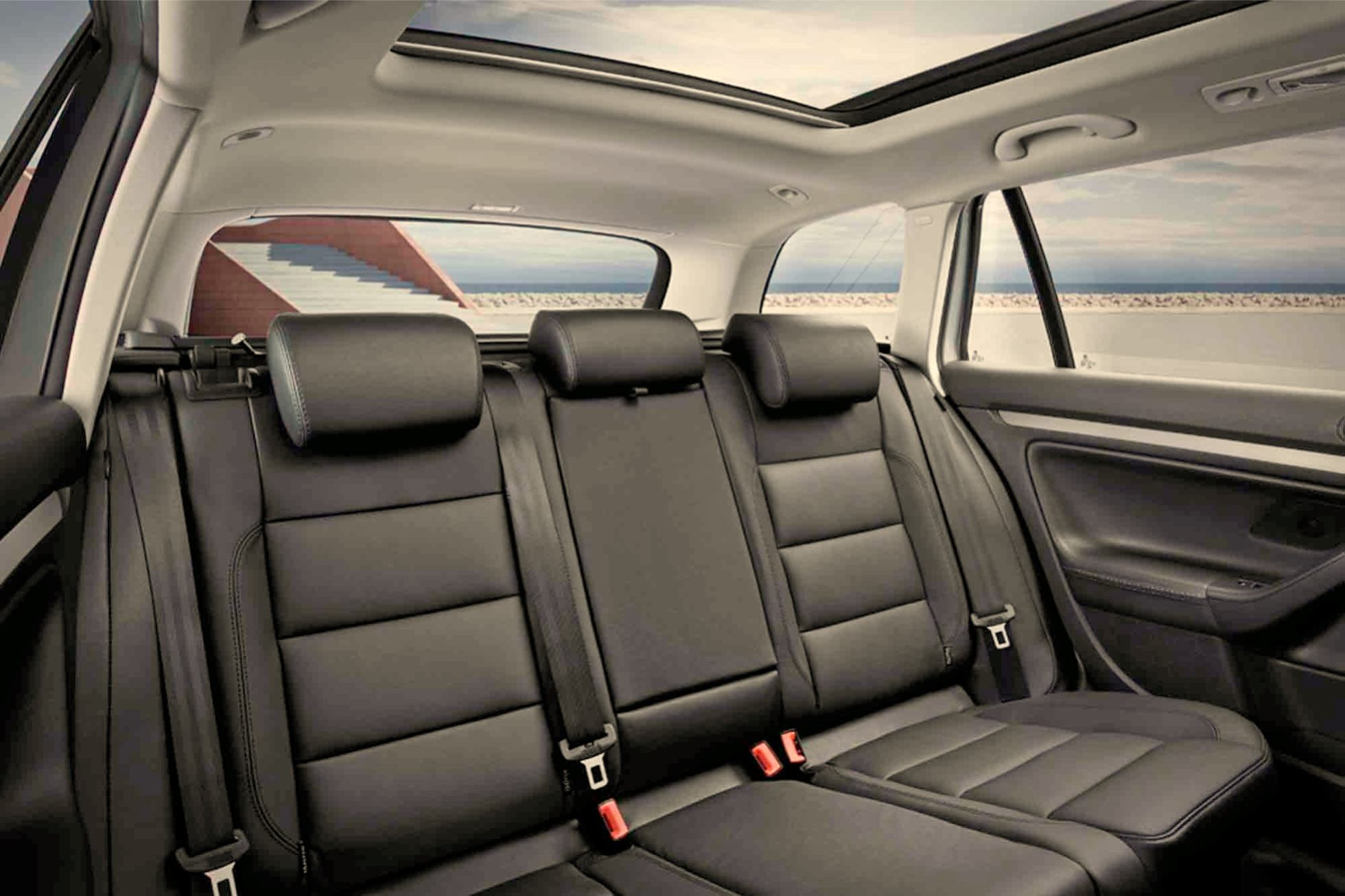 Volkswagen golf variant voiture pour lui for Interieur de voiture