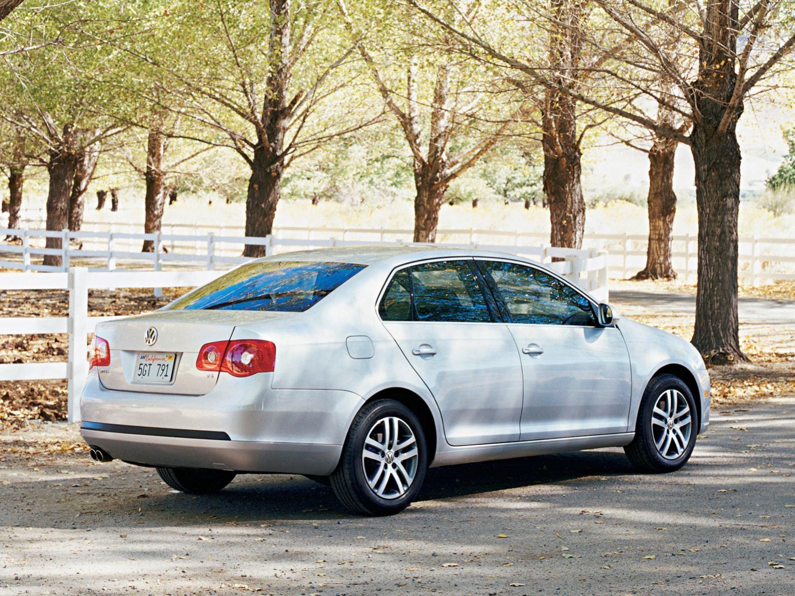 Volkswagen Jetta photo