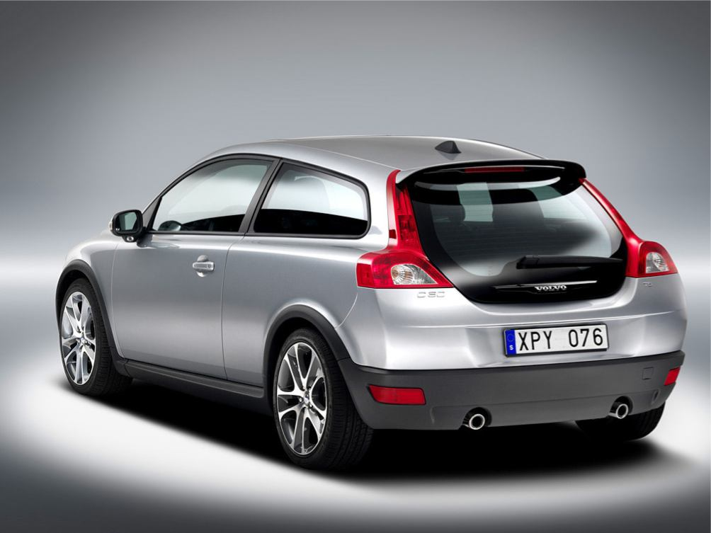 Volvo  C30    http://www.voiturepourlui.com/images/Volvo//Exterieur/Volvo_C30_006.jpg