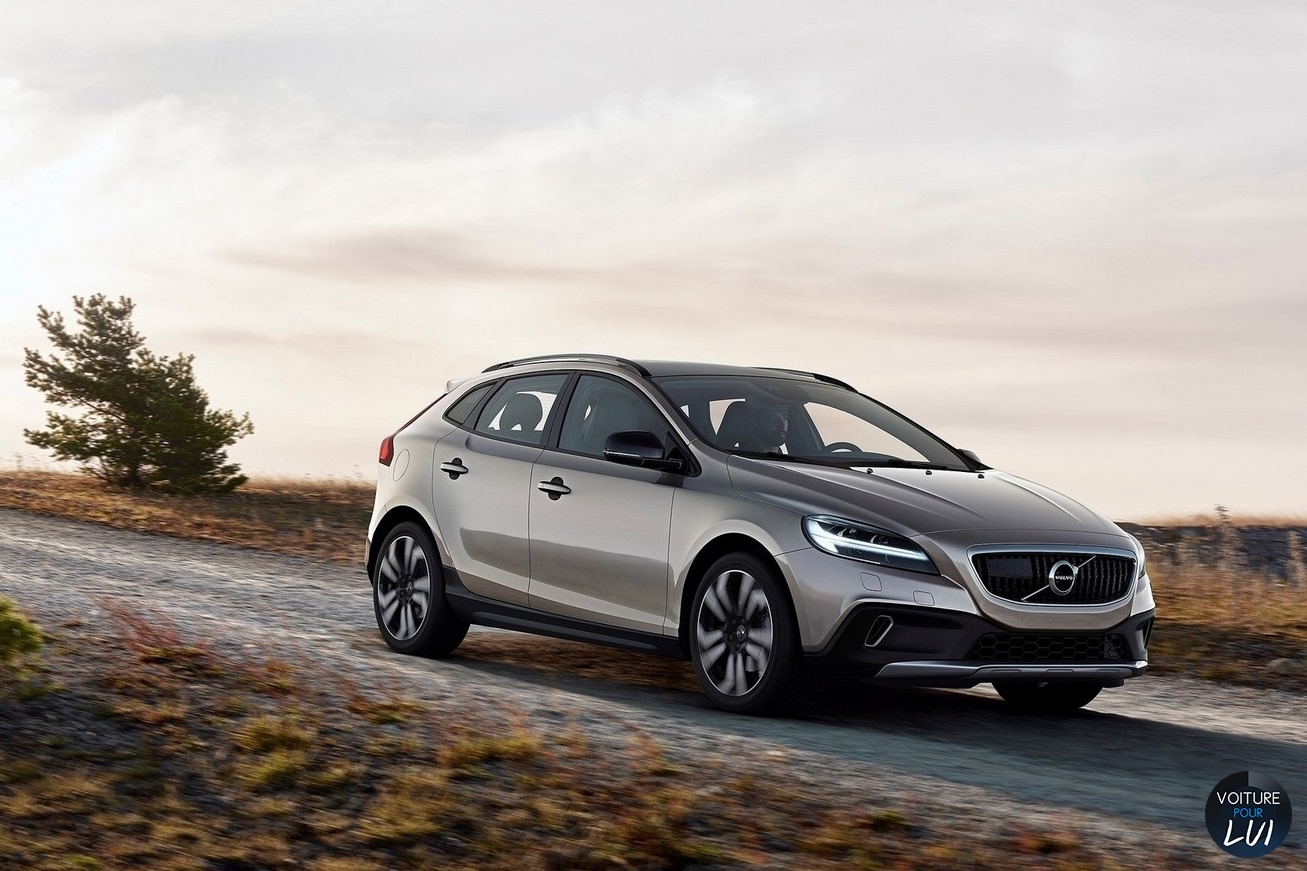 Nouvelle photo : VolvoV40-Cross-Country-2017