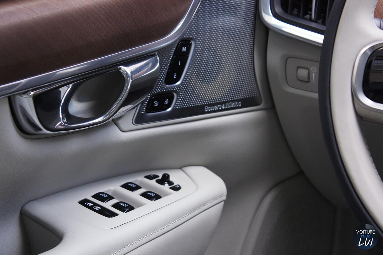 Volvo  V90 2016   Calandre  http://www.voiturepourlui.com/images/Volvo//Interieur/Volvo_V90_2016_005_interieur.jpg