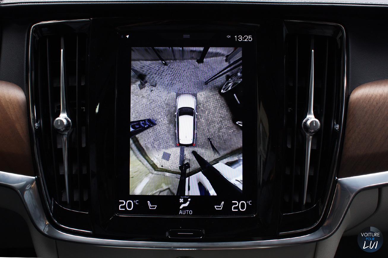 Volvo  V90 2016   Camera Grille  http://www.voiturepourlui.com/images/Volvo//Interieur/Volvo_V90_2016_008_camera.jpg