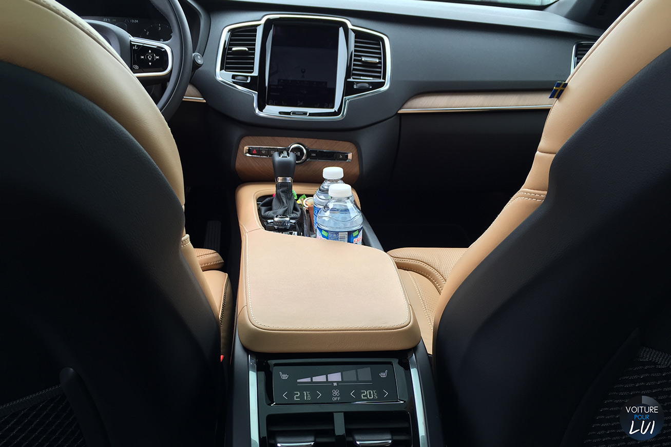 Volvo xc90 2015 d5 arriere for Interieur xc90