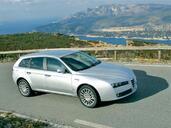 http://www.voiturepourlui.com/images/Alfa-Romeo/159/Exterieur/Alfa_Romeo_159_014.jpg