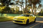 http://www.voiturepourlui.com/images/Chevrolet/Camaro-2016/Exterieur/Chevrolet_Camaro_2016_029_jaune_avant_feux_phares.jpg