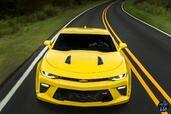 http://www.voiturepourlui.com/images/Chevrolet/Camaro-2016/Exterieur/Chevrolet_Camaro_2016_031_jaune_avant_face.jpg
