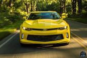 http://www.voiturepourlui.com/images/Chevrolet/Camaro-2016/Exterieur/Chevrolet_Camaro_2016_032_jaune_avant_face.jpg
