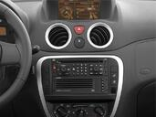 Photo Citroen C2 2007 Citroen C2 http://www.voiturepourlui.com/images/Citroen/C2/Interieur/Citroen_C2_012.jpg