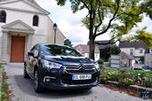 http://www.voiturepourlui.com/images/Citroen/DS4-SO-CHIC/Exterieur/Citroen_DS4_SO_CHIC_003.jpg