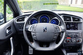 DS4-SO-CHIC - Compacte Citroen DS4 SO CHIC http://www.voiturepourlui.com/images/Citroen/DS4-SO-CHIC/Interieur/Citroen_DS4_SO_CHIC_008_volant.jpg