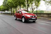 http://www.voiturepourlui.com/images/Dacia/Sandero-Stepway/Exterieur/Dacia_Sandero_Stepway_005.jpg