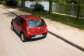 http://www.voiturepourlui.com/images/Dacia/Sandero-Stepway/Exterieur/Dacia_Sandero_Stepway_009.jpg