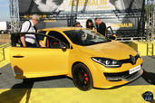 http://www.voiturepourlui.com/images/Evenement/World-Series-Renault-2014/Exterieur/Evenement_World_Series_Renault_2014.jpg