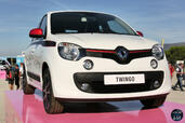 http://www.voiturepourlui.com/images/Evenement/World-Series-Renault-2014/Exterieur/Evenement_World_Series_Renault_2014_016_twingo.jpg