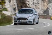 http://www.voiturepourlui.com/images/Ford/Fiesta-ST200-2016/Exterieur/Ford_Fiesta_ST200_2016_005_gris_avant_face.jpg
