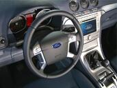 Photo Ford Galaxy 2007 Ford Galaxy http://www.voiturepourlui.com/images/Ford/Galaxy/Interieur/Ford_Galaxi_035.jpg