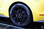 http://www.voiturepourlui.com/images/Ford/Mustang-GT-Mondial-Auto-2014/Exterieur/Ford_Mustang_GT_Mondial_Auto_2014_007_jante.jpg