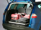 Photo Ford S-Max 2008 Ford S Max http://www.voiturepourlui.com/images/Ford/S-Max/Interieur/Ford_Smax_022.jpg