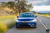 http://www.voiturepourlui.com/images/Honda/Accord-Hybrid-2017/Exterieur/Honda_Accord_Hybrid_2017_011_bleu_avant_touring.jpg