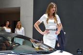 http://www.voiturepourlui.com/images/Hotesse/Fille-Mondial-Auto-2014/Exterieur/Hotesse_Fille_Mondial_Auto_2014_004_lamborghini.jpg