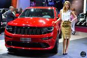 http://www.voiturepourlui.com/images/Hotesse/Fille-Mondial-Auto-2014/Exterieur/Hotesse_Fille_Mondial_Auto_2014_007_jeep.jpg