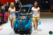 http://www.voiturepourlui.com/images/Hotesse/Fille-Mondial-Auto-2014/Exterieur/Hotesse_Fille_Mondial_Auto_2014_021_toyota.jpg
