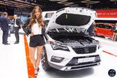 http://www.voiturepourlui.com/images/Hotesse/Fille-Salon-Auto-Geneve-2016/Exterieur/Hotesse_Fille_Salon_Auto_Geneve_2016_009_seat.jpg