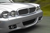http://www.voiturepourlui.com/images/Jaguar/XJ/Exterieur/Jaguar_XJ_006.jpg