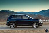 http://www.voiturepourlui.com/images/Jeep/Cherokee-2014/Exterieur/Jeep_Cherokee_2014_012_noir.jpg