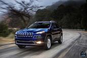 http://www.voiturepourlui.com/images/Jeep/Cherokee-2014/Exterieur/Jeep_Cherokee_2014_016_route.jpg