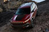 http://www.voiturepourlui.com/images/Jeep/Cherokee-2014/Exterieur/Jeep_Cherokee_2014_020_rouge.jpg