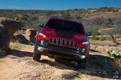 http://www.voiturepourlui.com/images/Jeep/Cherokee-2014/Exterieur/Jeep_Cherokee_2014_031_calandre_avant.jpg