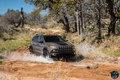 http://www.voiturepourlui.com/images/Jeep/Cherokee-2014/Exterieur/Jeep_Cherokee_2014_035_taupe.jpg